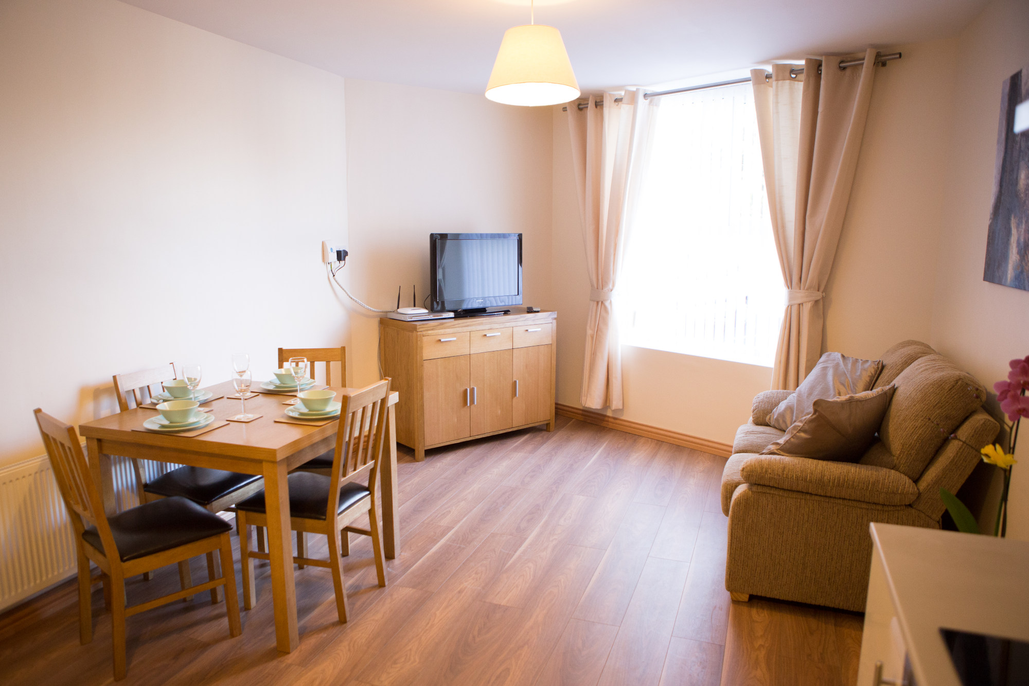 one bedroom apartment Dublin - Broc House - Dining - Living