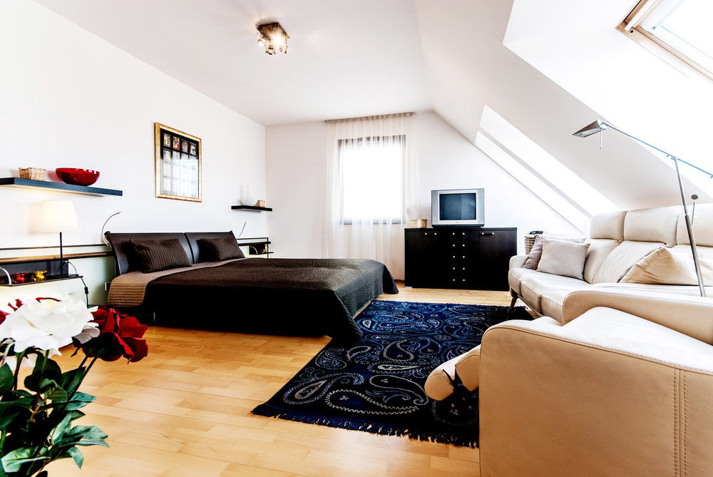 Holiday rental Budapest - living room with double bed
