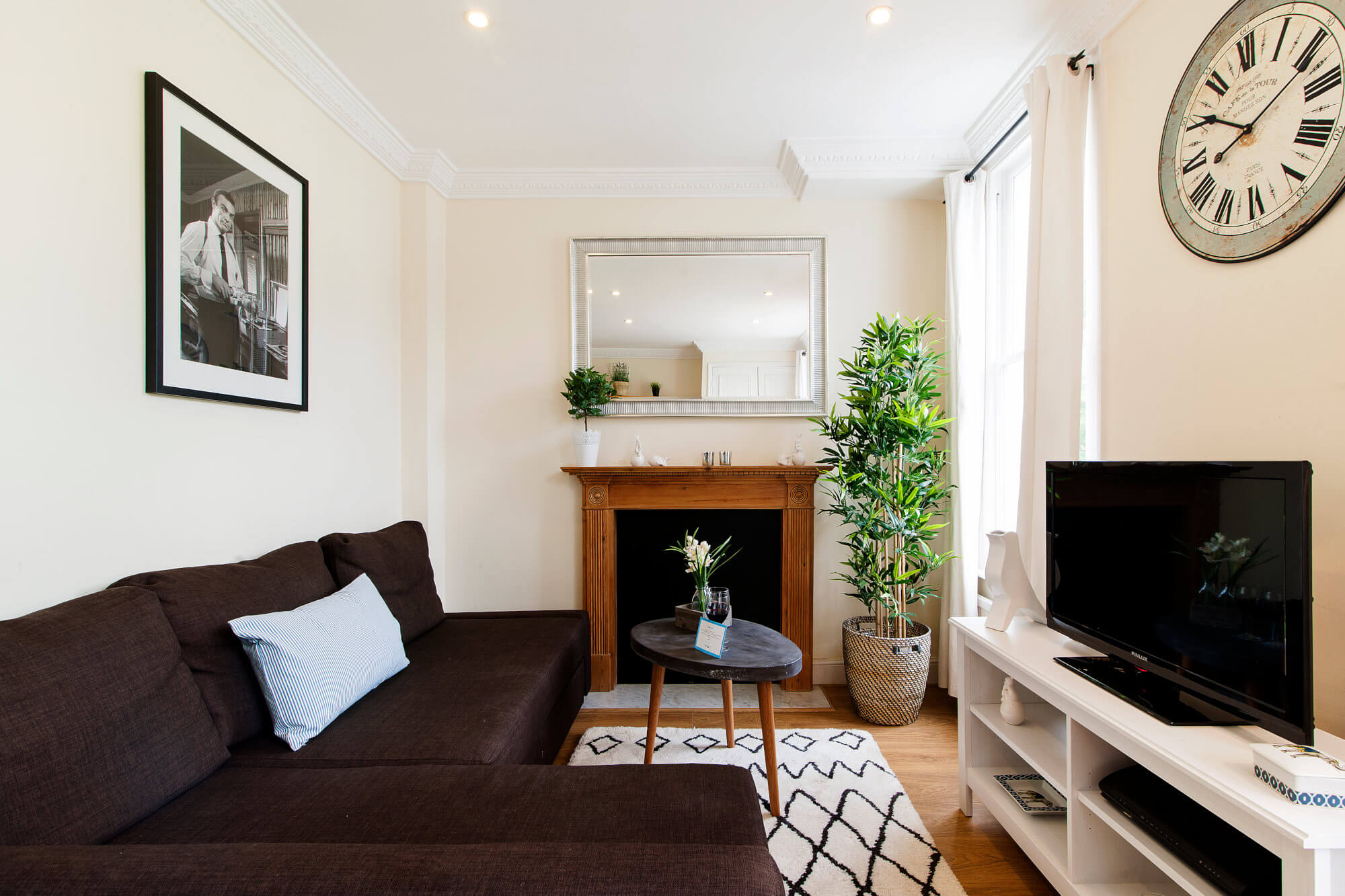 The Kempsford Garden Apartment-fireplace-featured image - two bedroom mid-term rental london