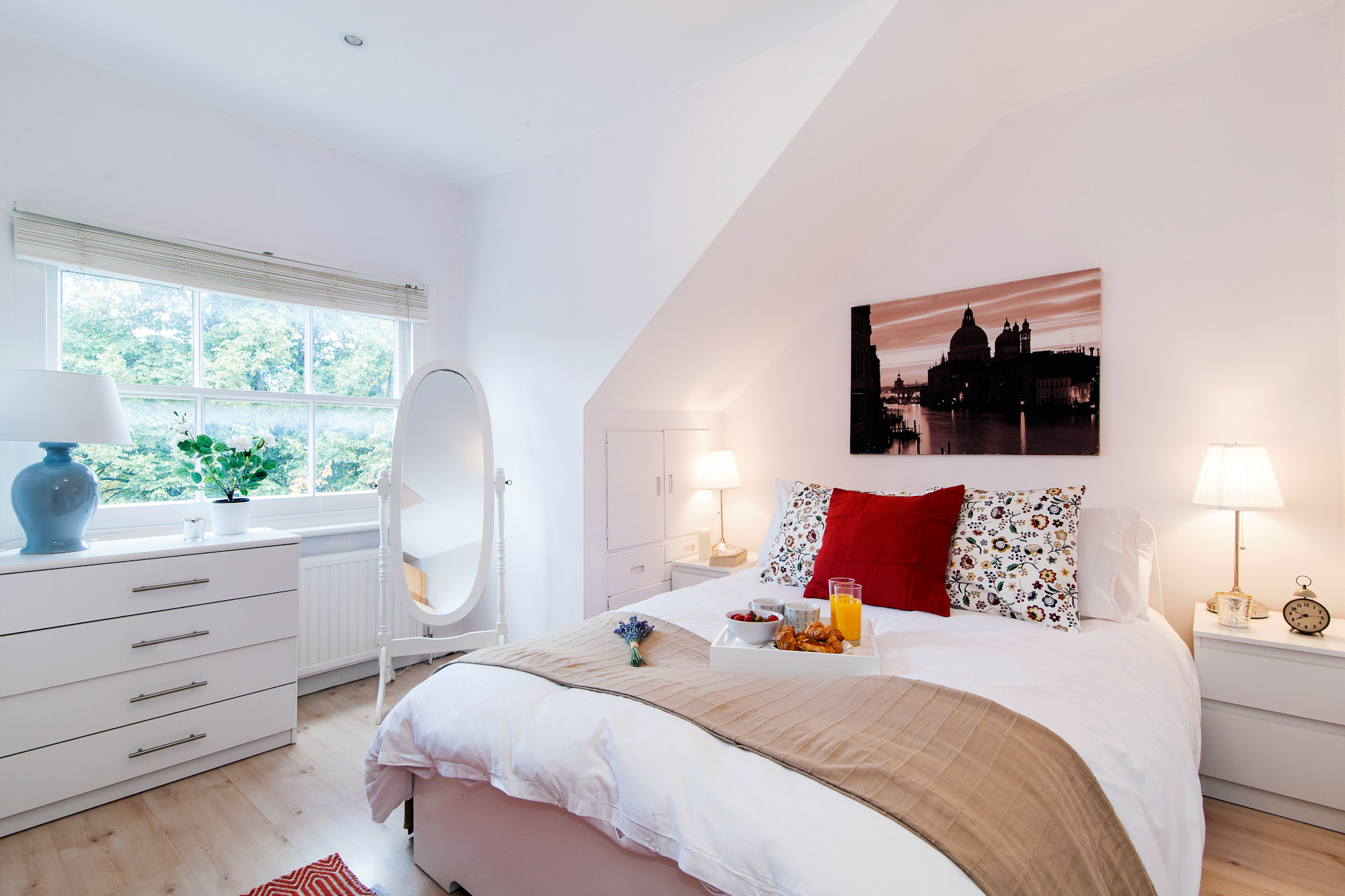 The Kensington Morning Mansion apartment - London - bedroom 1 - two bedroom kensington apartment london
