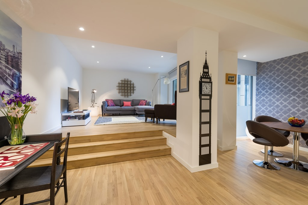 Two bedroom Eye of London Apartment - sofa bed
