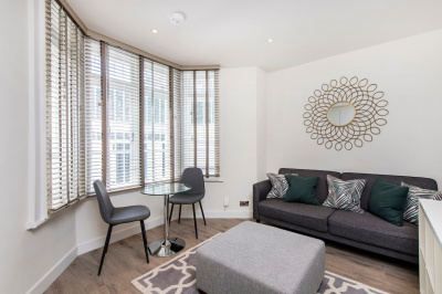 Stylish 1 bed in Fashionable Chelsea