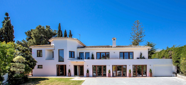 Marbella, ES 8 Bedroom VILLA BY PUERTO BANUS & SEA 5 min
