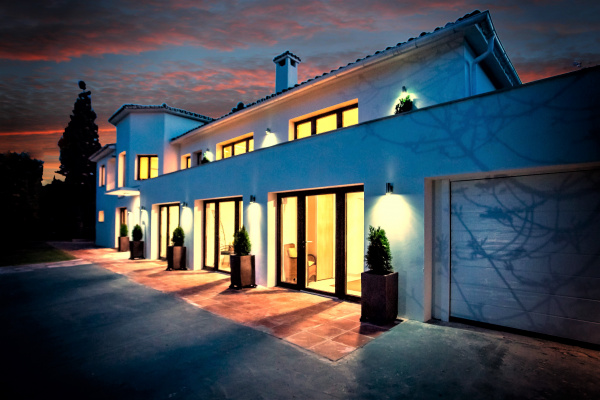 Marbella, ES 7 B/R Villa near Puerto Banus & sea within 5m