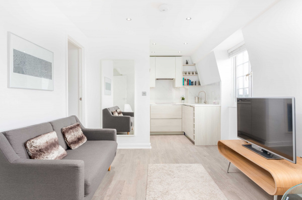 London, GB Bright and Minimalist Chelsea Nest
