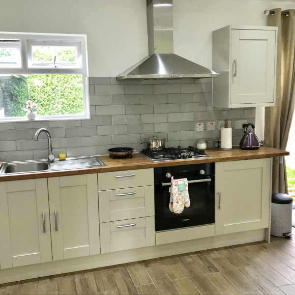 Oxford, United Kingdom, The Woodfarm Lodge – 3 Bedroom House with parking – Oxford