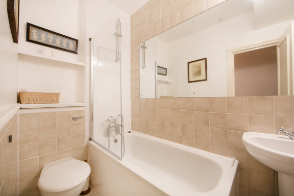 London, GB Lambton Place - A comfortable one bedroom apartment in Notting Hill, close to the Portobello Road