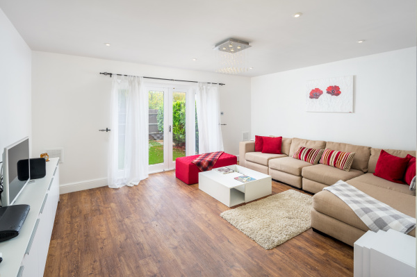London, GB Stunning 2-bed flat w/ garden patio in West London