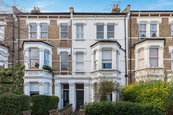 London, GB Stylish 2-bed flat near Queen's Park, West London