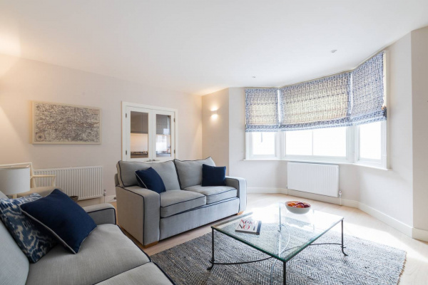 London, GB Beautiful Brook Green 2 bed flat