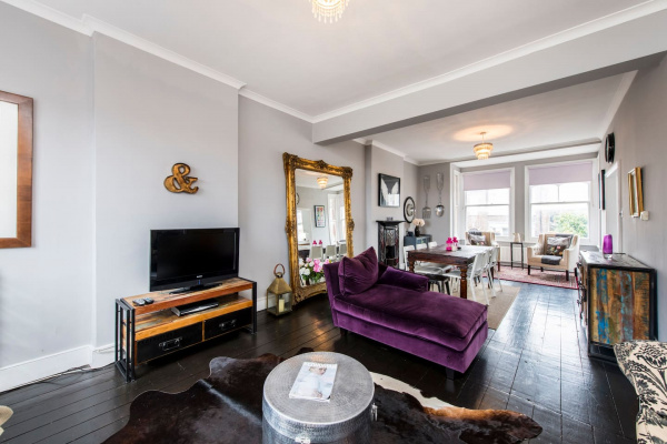 London, GB Bright, stylish 3bed flat in West Hampstead