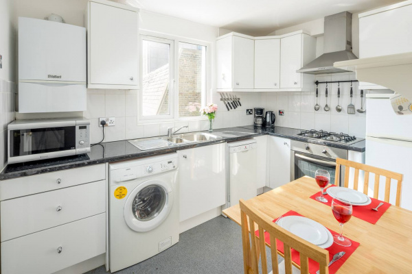 London, GB Charming 1 bed flat in West Brompton (sleeps 4)