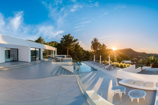 Ibiza, ES Designer made villa in central Ibiza