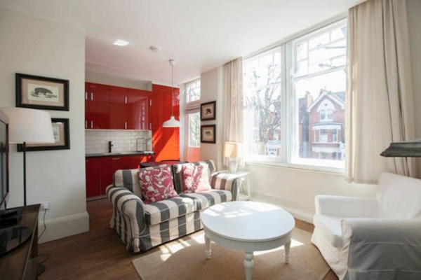 London, GB Flat for 4, moments from Notting Hill and subway!