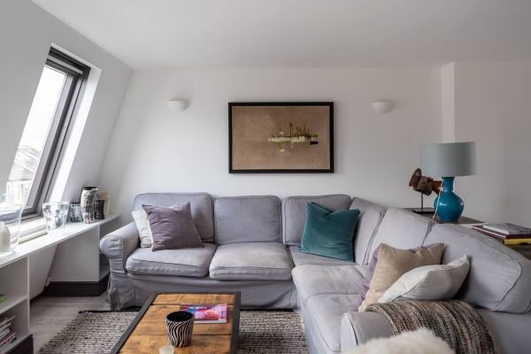London, GB Trendy 2 Bed Loft Apartment Near Chelsea Stadium!