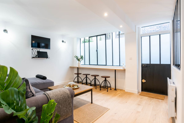Paris, FR Pretty Loft 2 Bedrooms in the Heart of St Germain des Près - Mobility Lease
