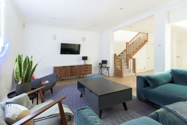 London, GB The 4BDRM Harrods Mews with Rooftop Terrace & Garage