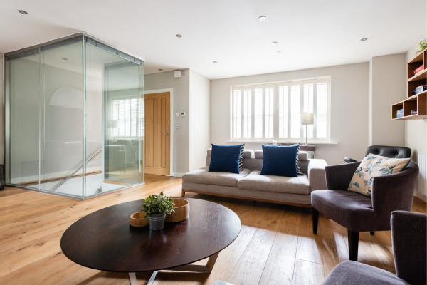 London, GB The 5BDRM Norfolk Townhouse - Large & Stunning Mews Home on Private Street