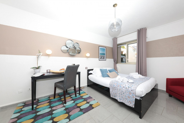 South of France, FR Charming and Cosy 3D